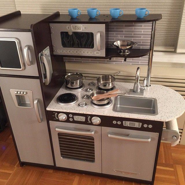 kidkraft uptown espresso kitchen review: first impressions