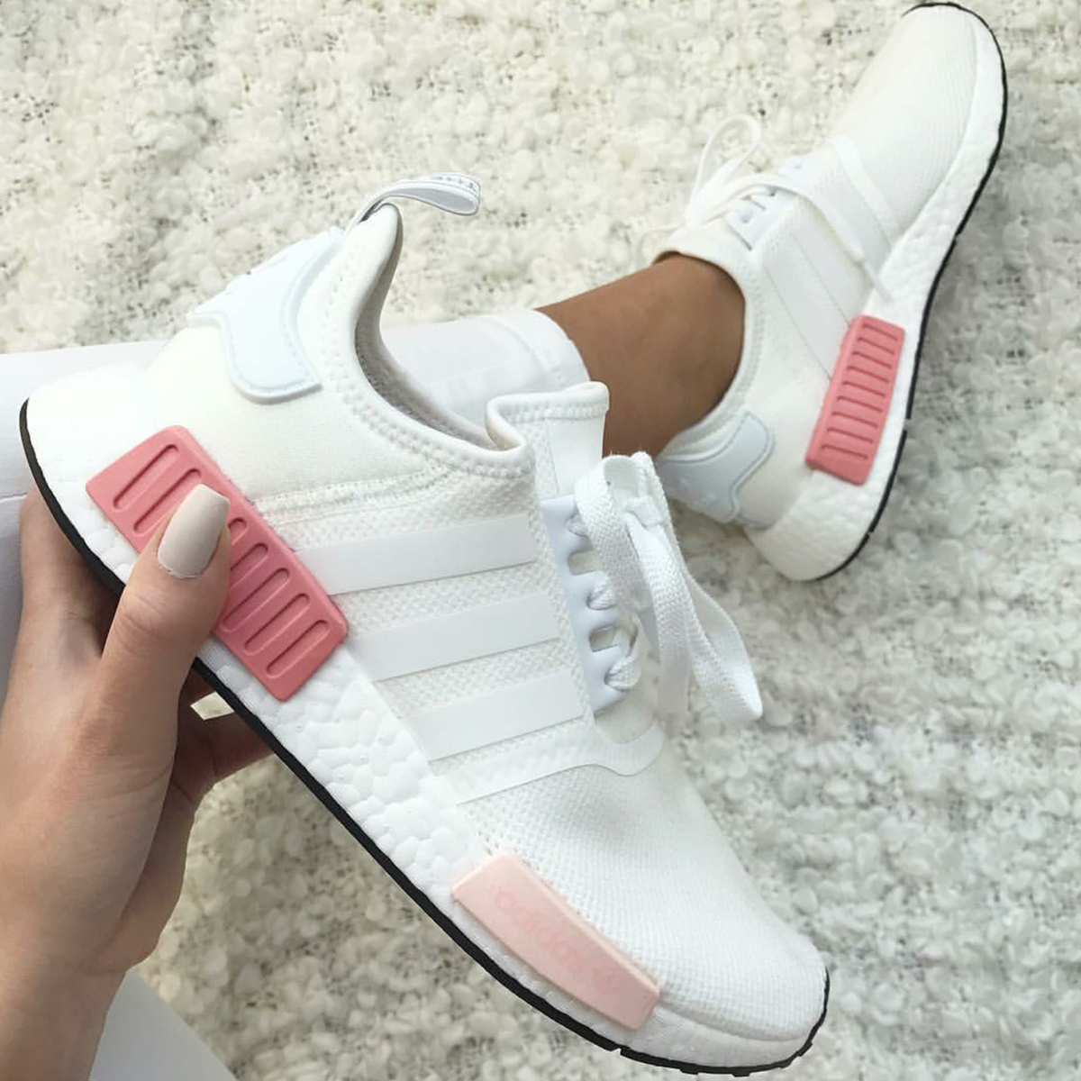 adidas originals nmd in wei pink white pink foto von. Black Bedroom Furniture Sets. Home Design Ideas