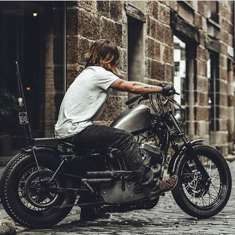 "3,425 Likes, 5 Comments - Harley-Davidson Sportster (@sportstergram) on Instagram: "" { @harleydavidsonaddicts } ______________________________________ Check @SportsterSquad for…"""