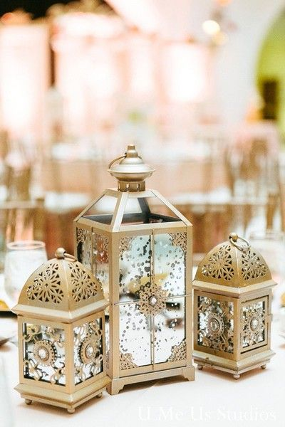 Nice lanterns! The gold finish is glamorous without being too bright.