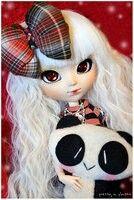 She has a panda °w°