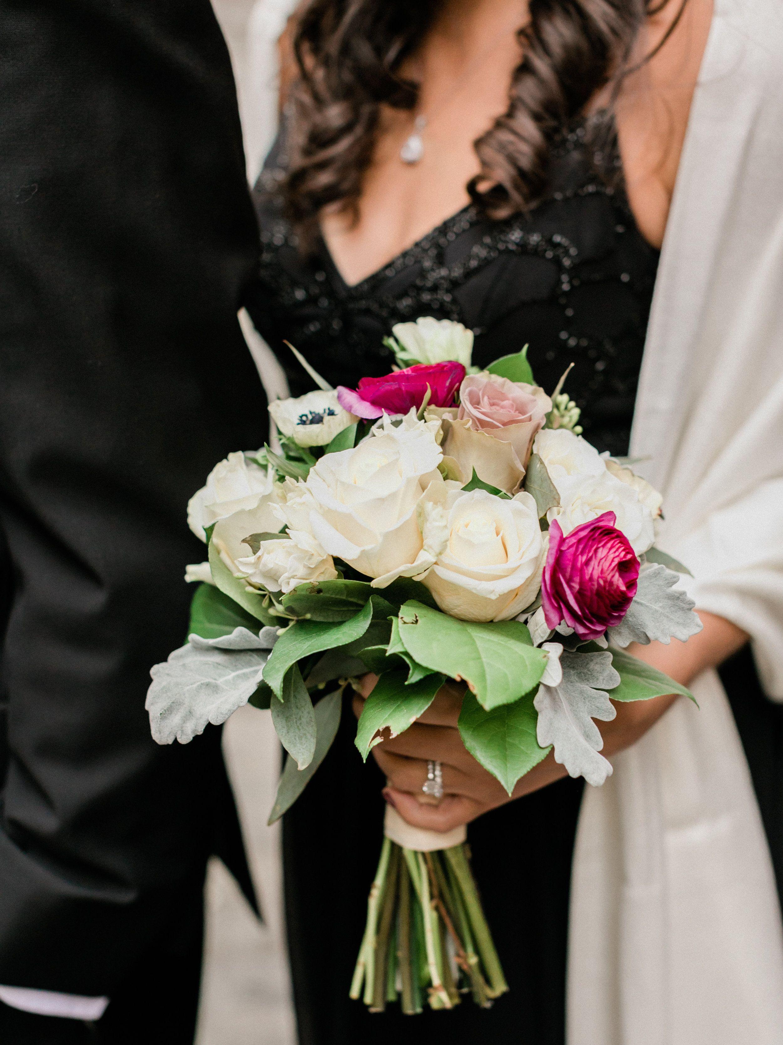 Modern Downtown New York City Wedding Chic New York City Weddings Nyc Wedding Wedding Flowe Wedding Decision Wedding Flower Inspiration White Wedding Flowers