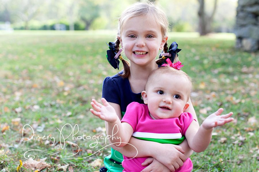 outdoor family photos, sisters, bows, natural light photography © Dimery Photography 2013