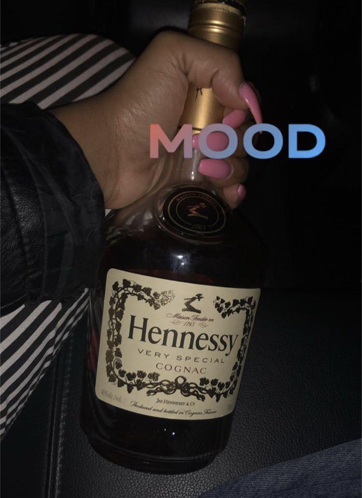 itsdiorjaleia ♡ in 2020 Jack daniels whiskey bottle