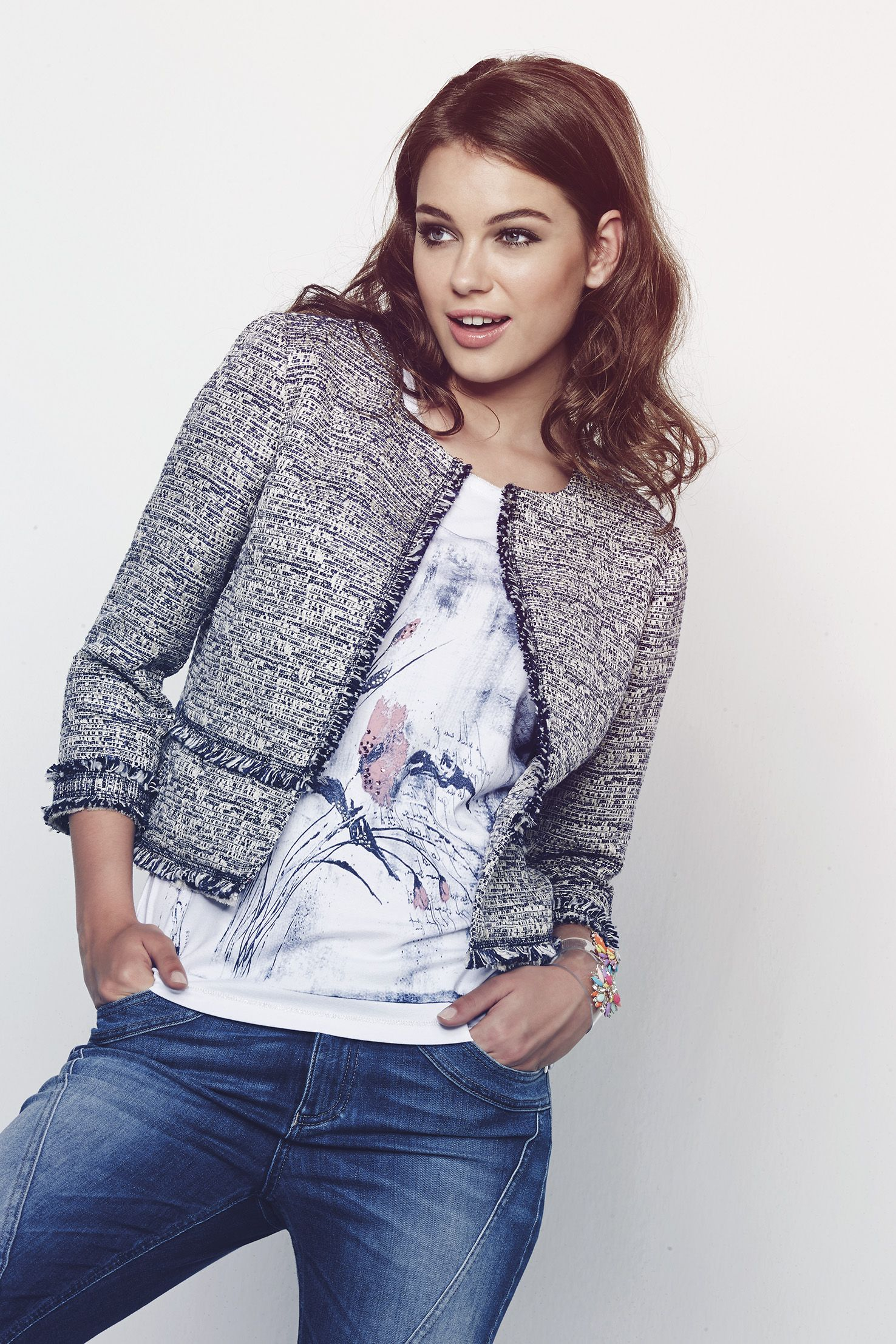 new arrival e93ac dd819 Chanel inspired tweed jacket in white and blue cotton with ...