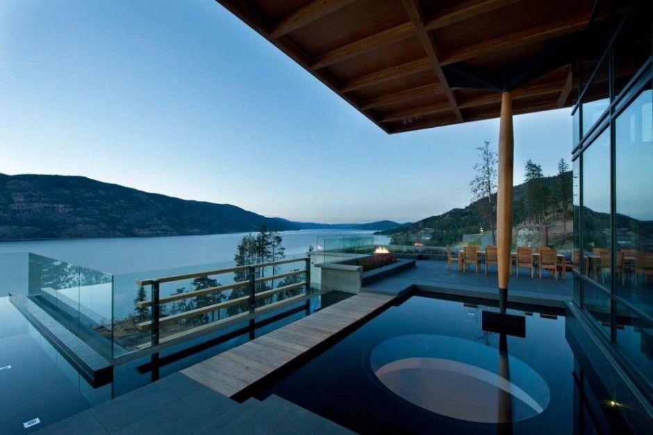 Canadian #architect David Tyrell designed this #house near Kelowna, BC, Canada.