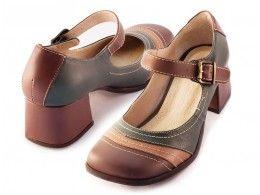2b8dbdbca8 Ref: 696 Sapato Boneca Retrô Café/Ocre/Floresta   These shoes are ...