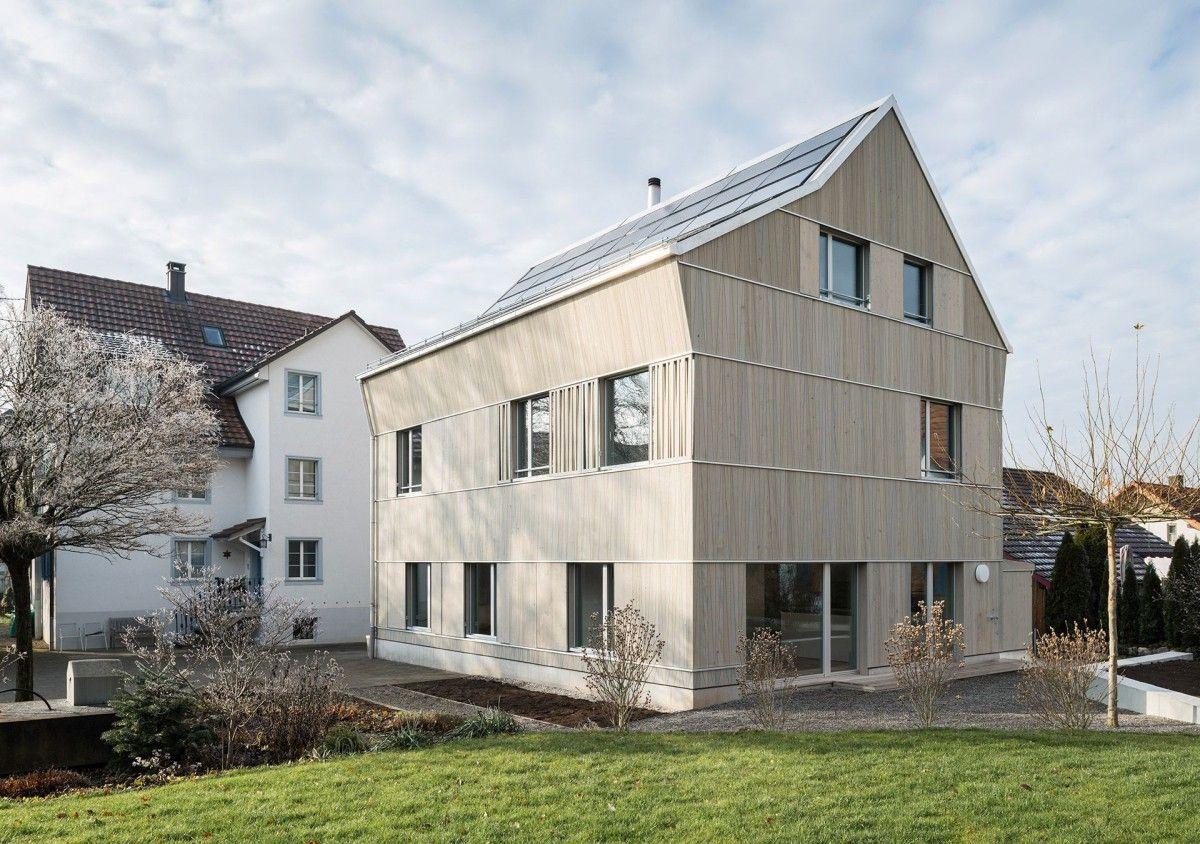 Holzschindeln Als Fassadenverkleidung Modern House