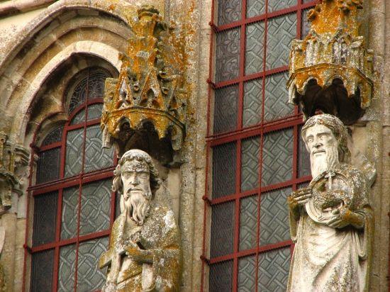 Photo of Vézelay Abbey (Basilique Ste-Madeleine): West Facade Detail