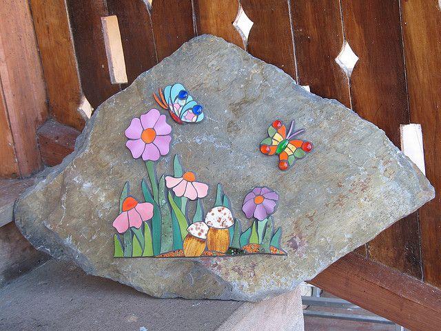 Piedra para jardin de mosaico pinterest mosaics for Mosaicos para jardin