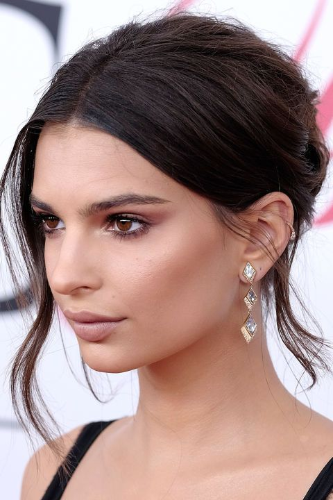 17 hairstyles that are honeymoon-worthy: Emily Ratajkowski in a sophisticated updo