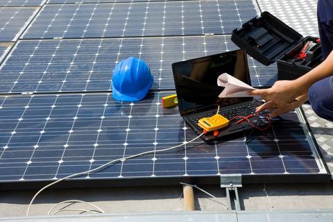 Pin De Nestor San Juan En Energia Solar Sistema De Paneles Solares Instalacion De Paneles Solares Paneles Solares