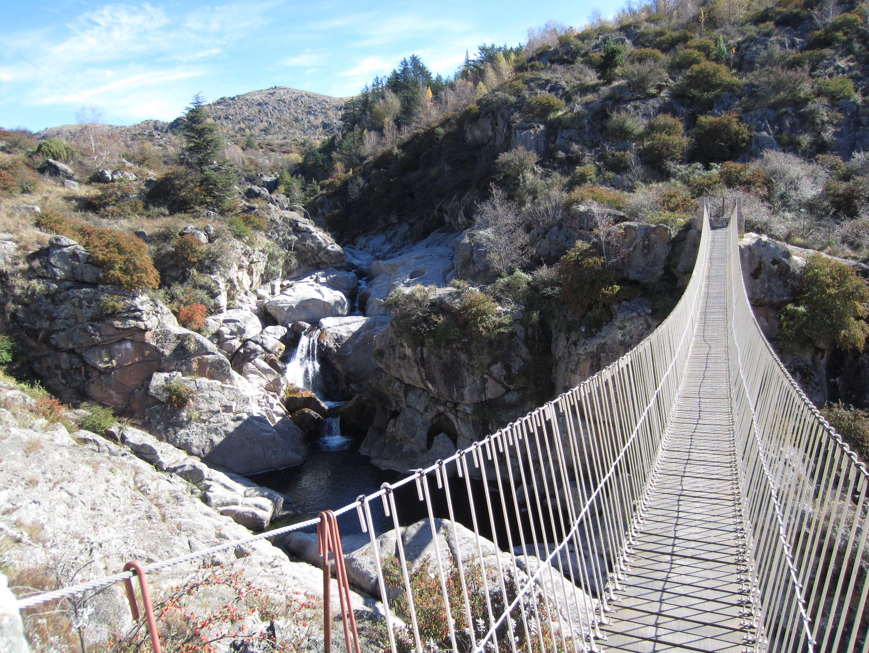 Parque Peñón del Aguila La Cumbrecita - Argentina