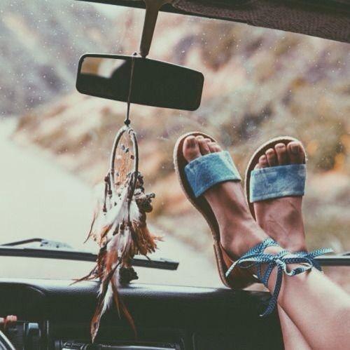 I wanna travel so bad