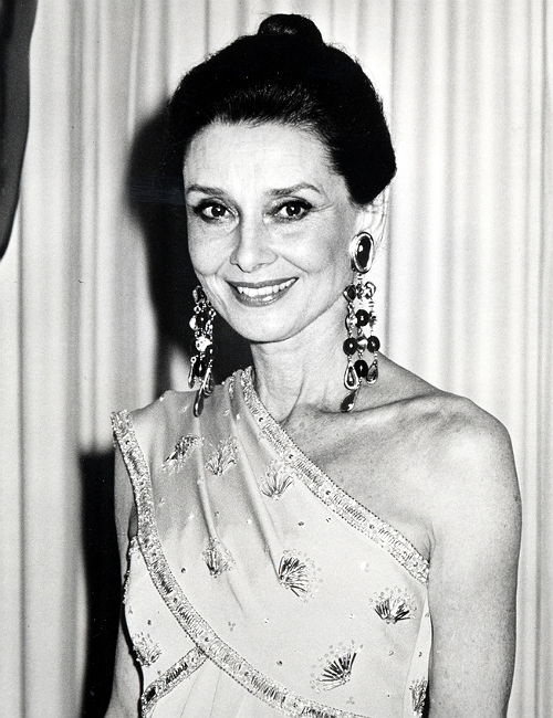 """Audrey Hepburn at the Academy Awards, 1986."""