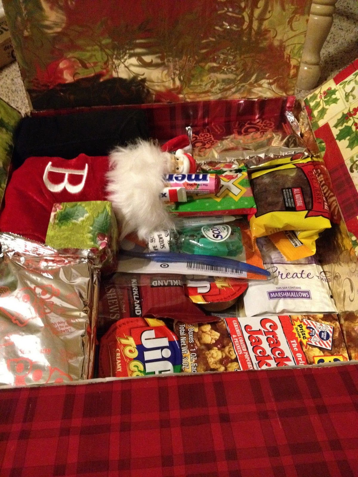 A Christmas Care Package #MilitaryCarePackage #Deployment | Military ...