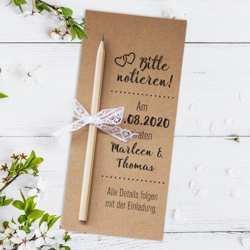 Originelle Save The Date Karten Zur Hochzeit Mit Bleistift Aus Kraftkarton Hier Bestellen I Karte Hochzeit Originelle Hochzeitseinladungen Hochzeitsnotizen