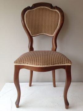 Tien biedermeier stoelen | Ten Biedermeier chairs, € 900