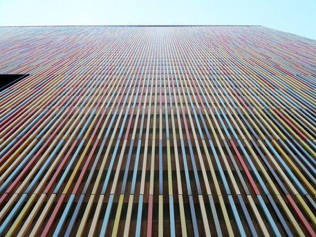 'Die Fassade III' von Martin Blättner bei artflakes.com als Poster oder…
