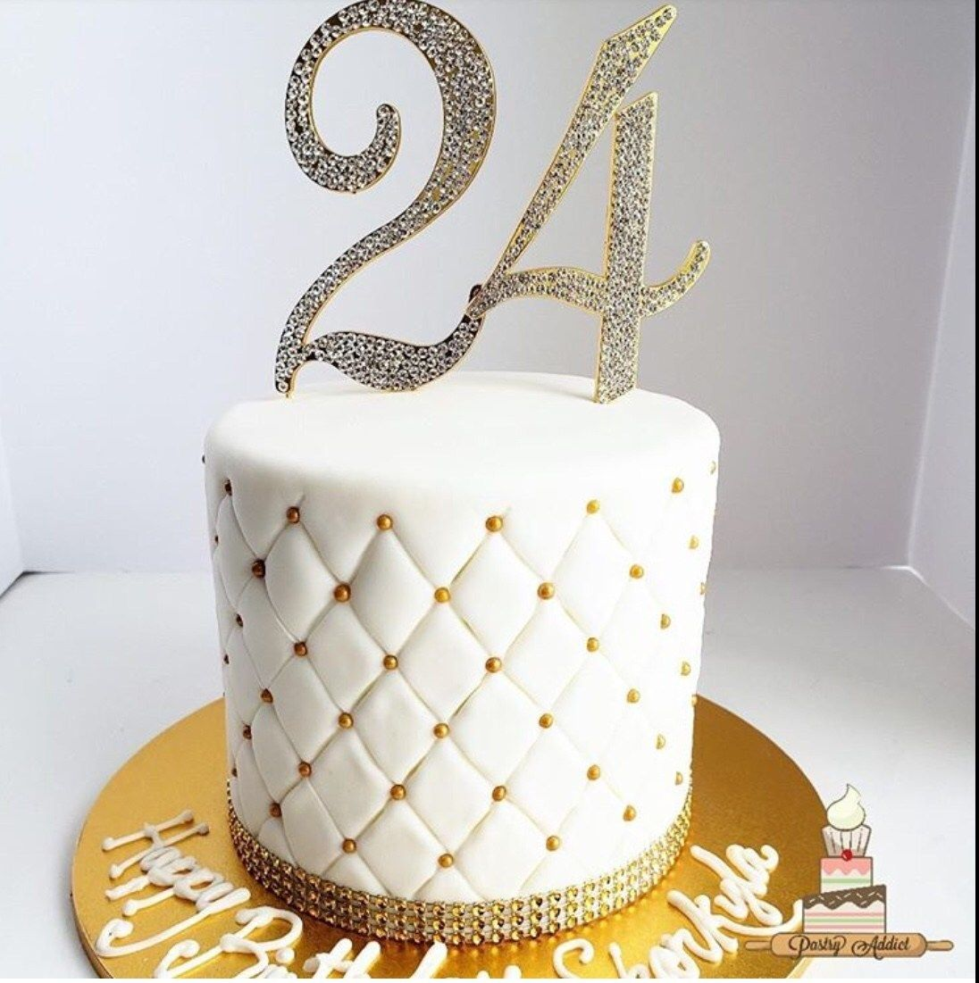 Superb 20 Elegant White And Gold Cake Designs With Images Gold And Personalised Birthday Cards Cominlily Jamesorg