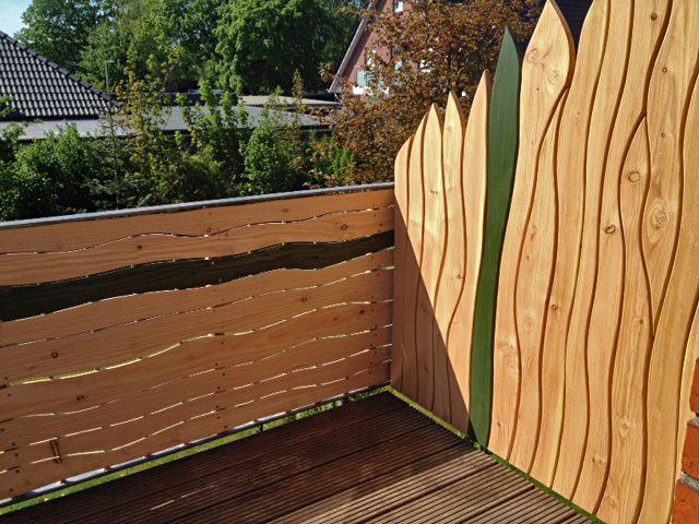 Sichtschutz für den Balkon mit natürlichen Formen