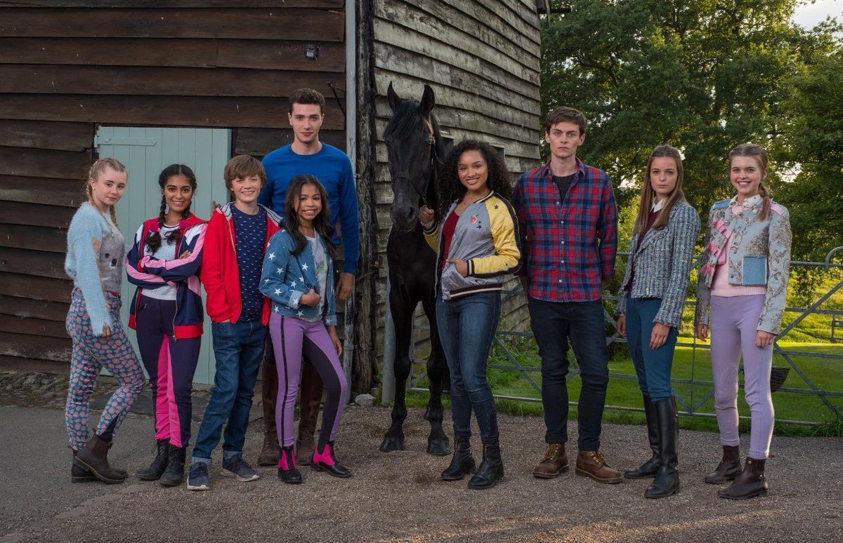 Free Rein Season 2 ZIN4EVER | Series y peliculas, Series originales de  netflix, Series