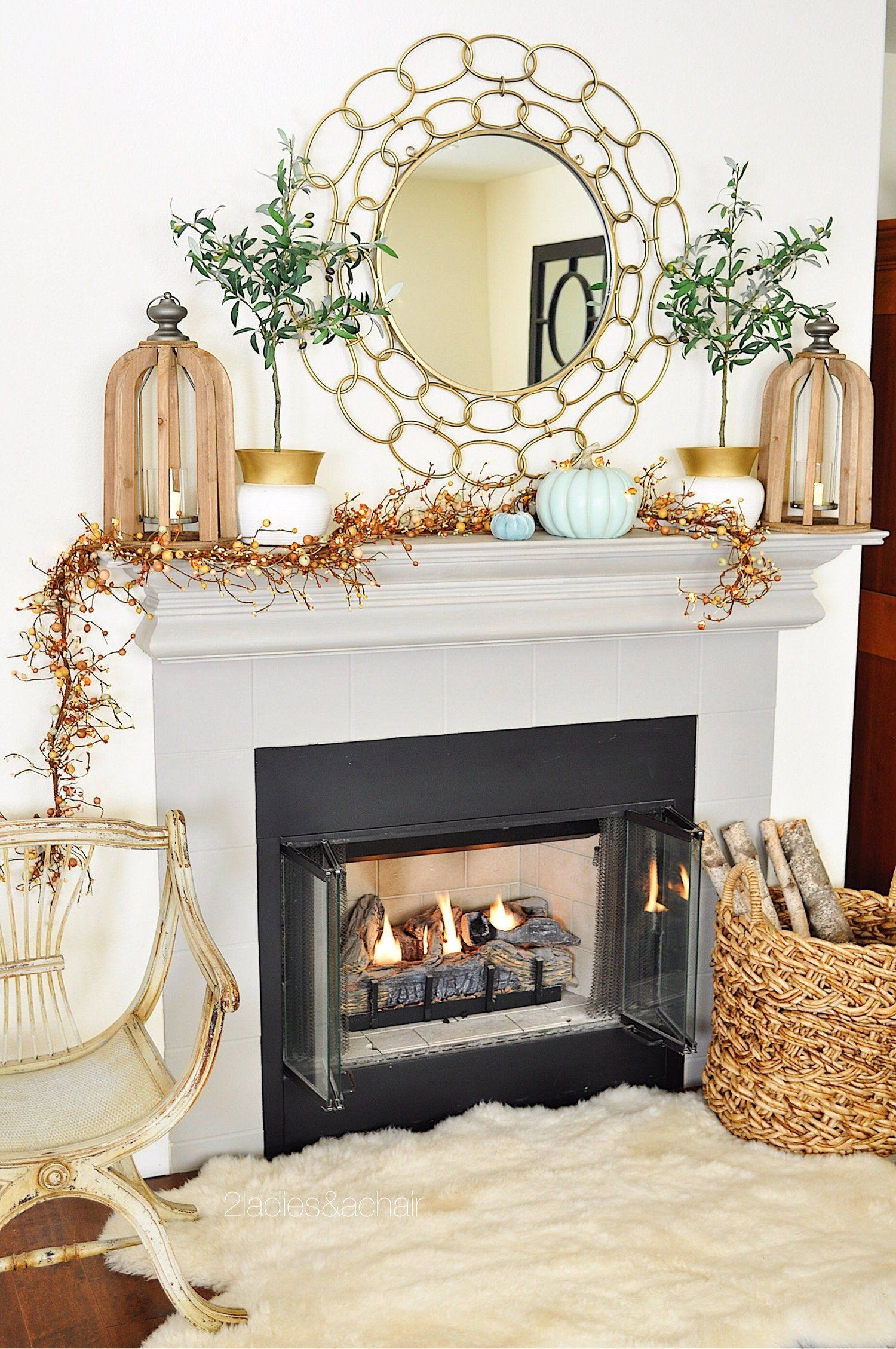 How To Decorate An Amazing Fall Mantel
