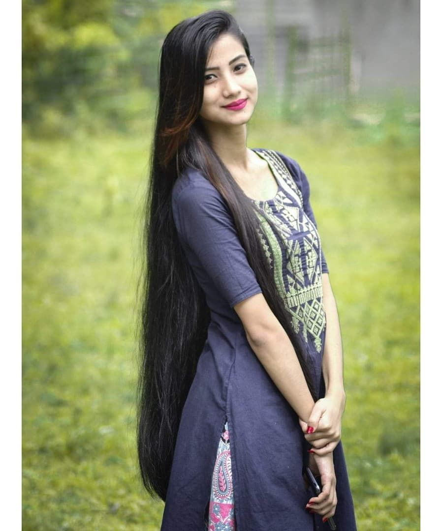 The Next Rapunzel For The Day Is Luina Barcha Our Site Is Dedicated To The Celebration Of Beautiful Long Hair Indian Girls Long Indian Hair Long Hair Styles