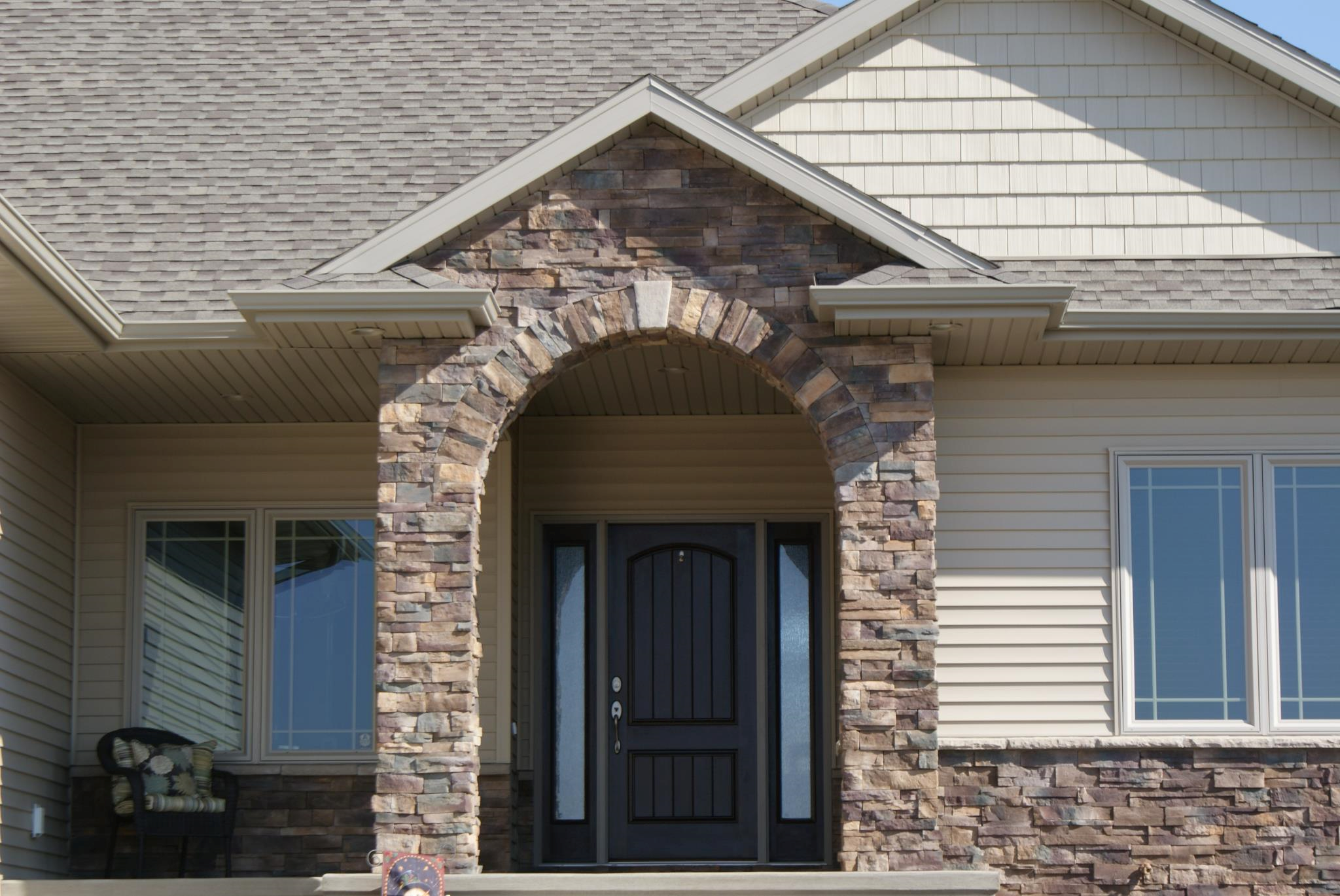 Pennsylvania dry stack stone veneer interior stone for Stacked stone house