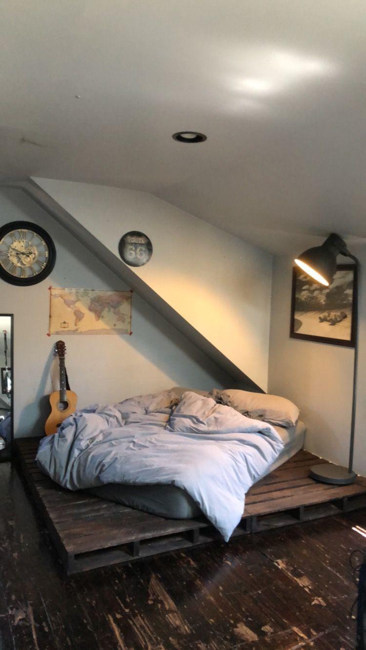Diy platform bed made with pallets diybedsplatform bedroom stuff