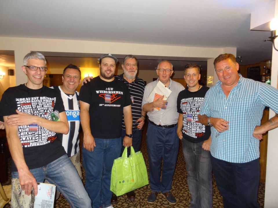 Myself Tim Wagstaff Team Big Baz Stan Hey Andy Team And A Couple Of Fans From The 2014 Fan Gathering Couples Stans It Cast