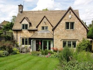 Architect+designed,+detached+spacious+family+home+mature+