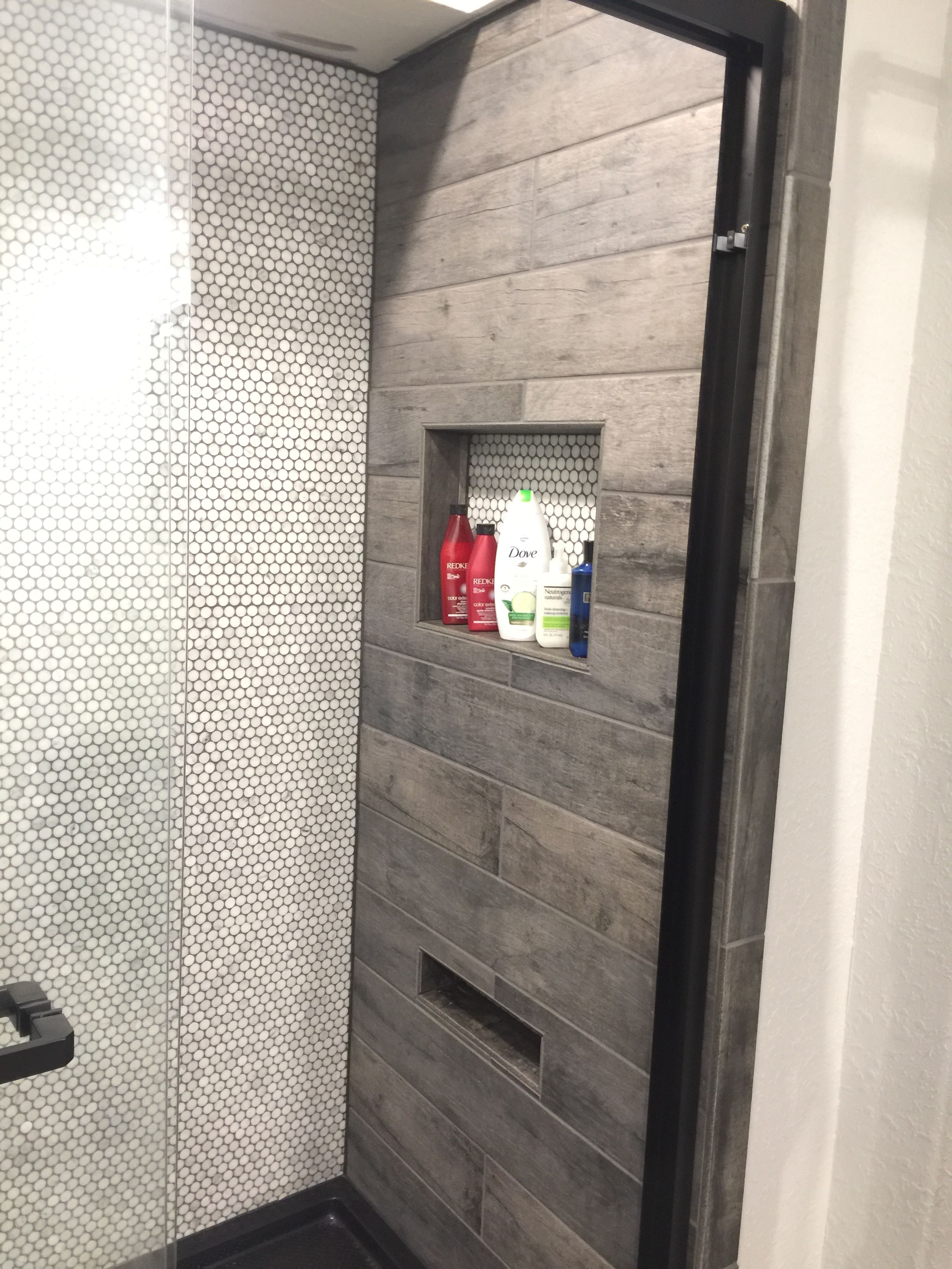 Ceramic Wood Tile Shower Walls With Foot Rest Niche For Shaving