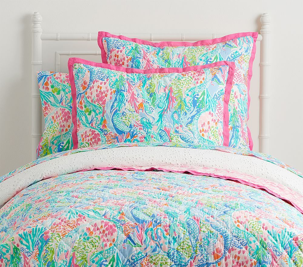 Lilly Pulitzer Mermaid Cove Quilt With Images Girl Beds