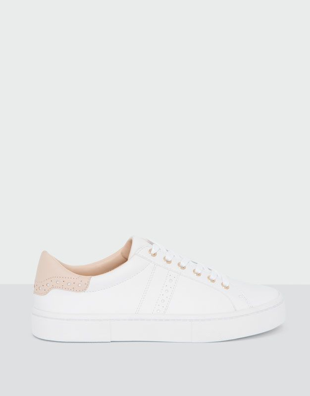 dad814c0ed4b Pull&Bear - mujer - zapatos mujer - bamba studio picados blanca ...