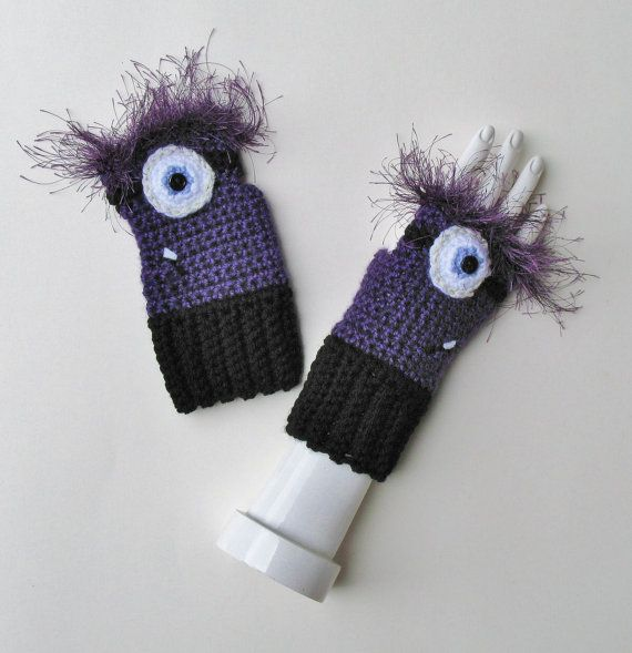 Despicable Me Evil Minion Wristwarmers Fingerless by Xasper8ing ...