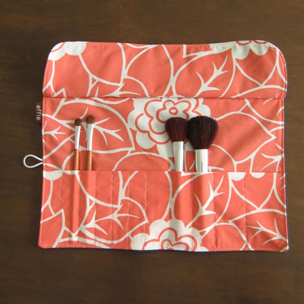 Want to try and make ;) Makeup brush roll, Brush roll