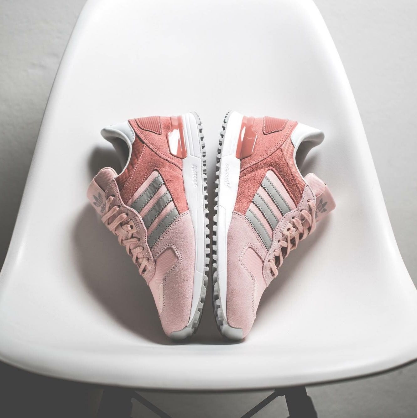 1b0ec8d5fb4d adidas Originals ZX 750  Pink Grey