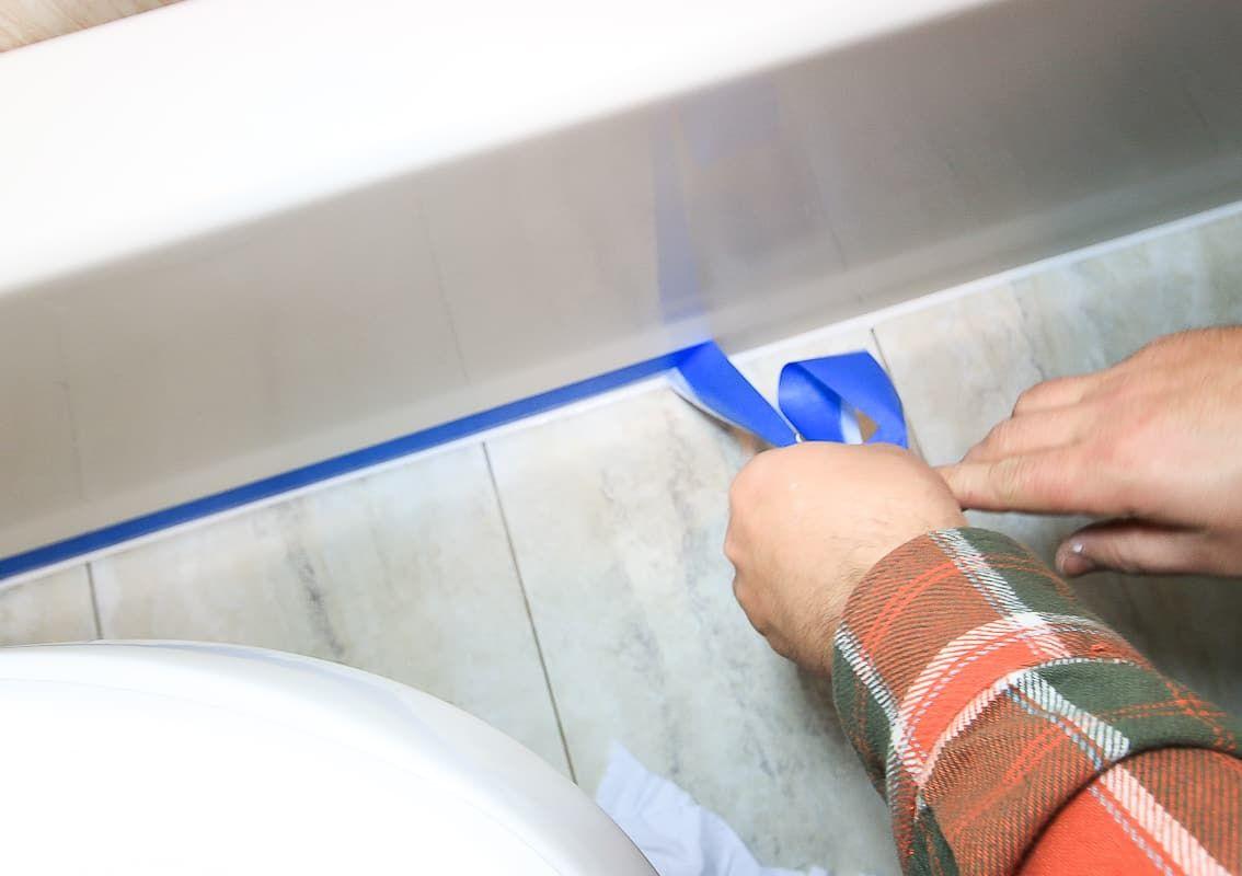 How To Recaulk A Bathtub Bathroom Caulk Diy Diy Tutorial