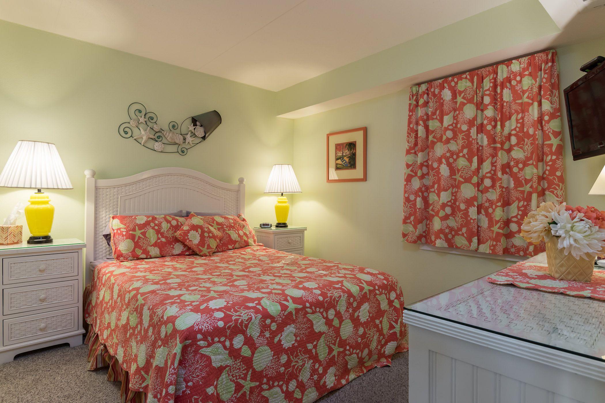 Hall bedroom Home decor, Bedroom, Home