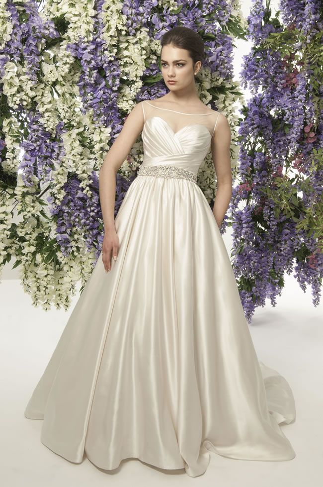 Joan Fontaine This Jade Daniels Wedding Dress Collection Is All About Old School Hollywood Glamour