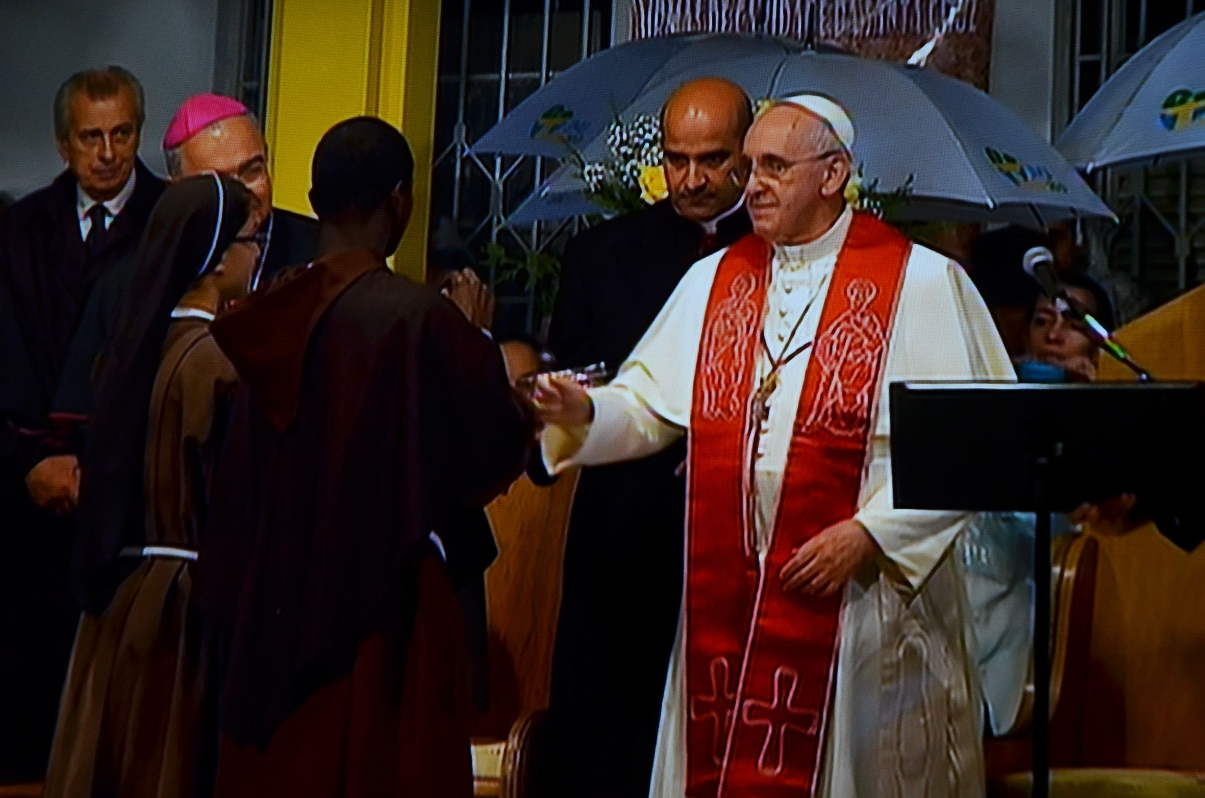 Pope Francis Visits The Hospital St Francis Of Assisi Of The Providence World Youth Day Pope Francis Youth Day
