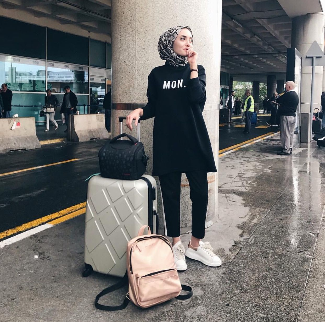 stunning hijab travel outfits europe