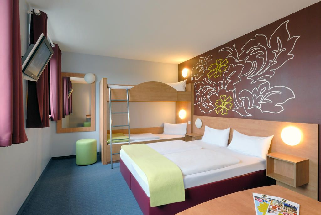 B B Munchen City Nord Munich Germany Booking Com With Images Nord Home Decor Hotel