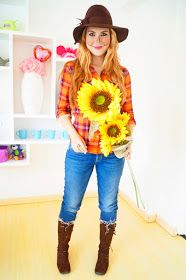 Last minute scarecrow halloween costume click through for tutorial grab your favorite plaid shirt a floppy hat some pretty flowers and this diy adult scarecrow costume is ready to go solutioingenieria Choice Image