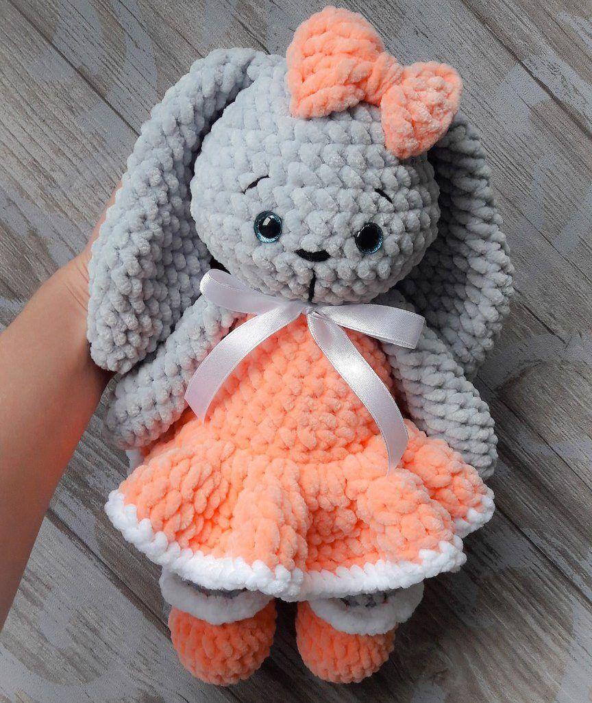 Bunny Rabbit Amigurumi - Free Crochet Pattern - StringyDingDing | 1026x864