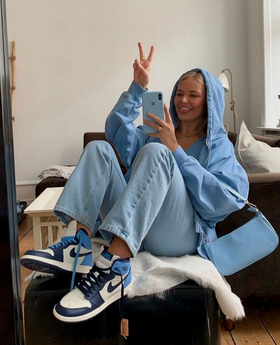 Popular Womens Shoes For Christmas Gifts 2020 Jordan 1 Retro High Obsidian UNC Fashion Shoes 2020 Christmas