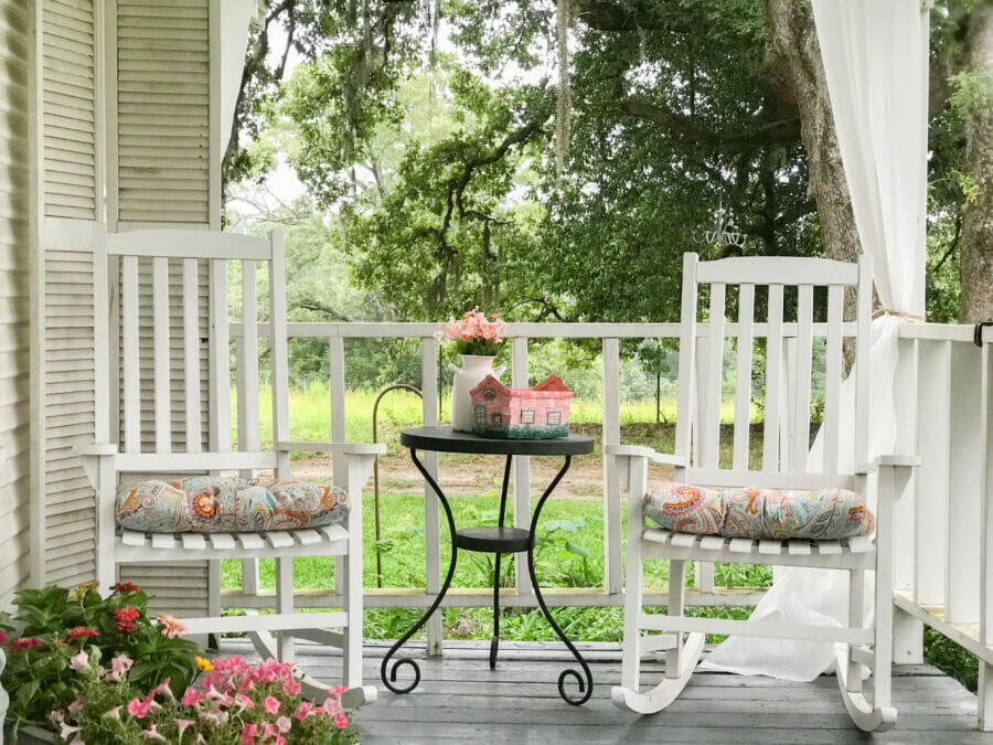 Creating a Summer Party Porch by CountyRoad407.com #summerporch #summerparty #farmhouseporch #farmhousestyle #porchideas #countyroad407