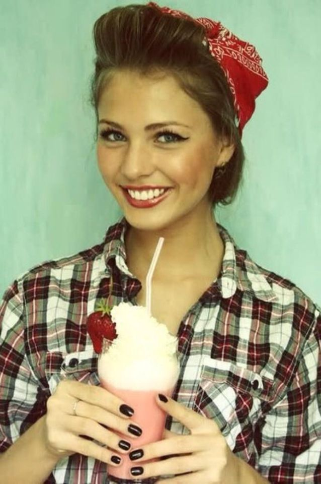 Cute Rock-a-billy look idea for a last minute Halloween Costume - last minute halloween costume ideas for women