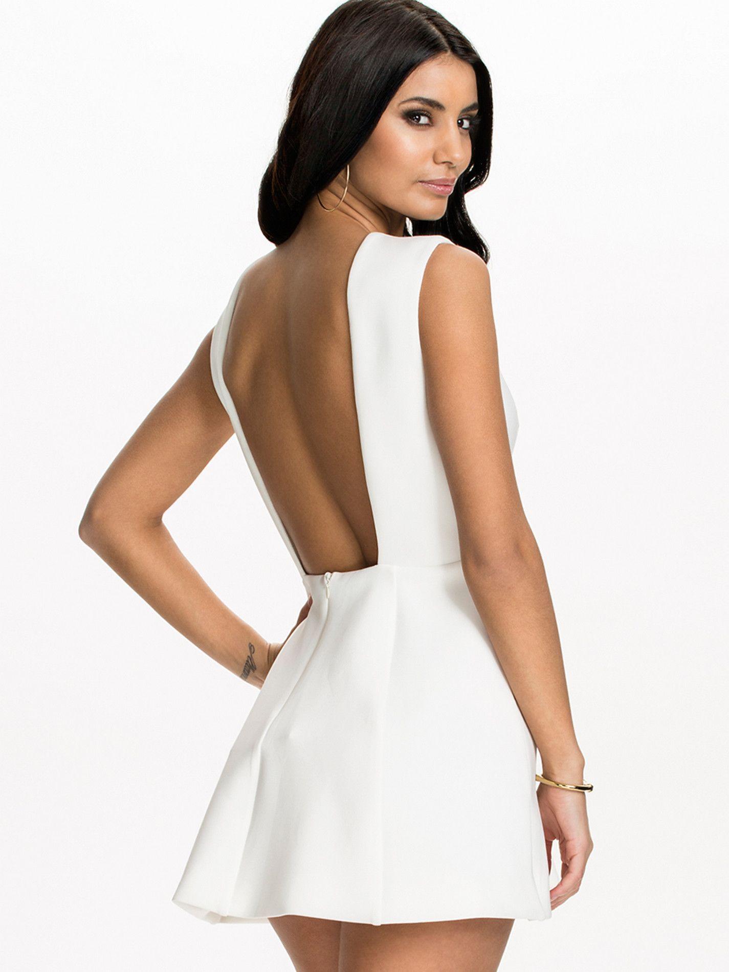 099cf132d35e1 Vestido blanco corto con escote en espalda